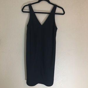 Banana republic black size 2 shift dress v neck